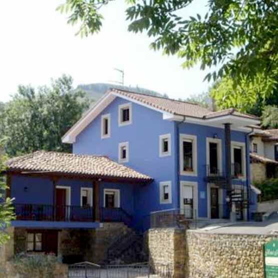 Casa rural la casona de Cardés en Cangas de Onís
