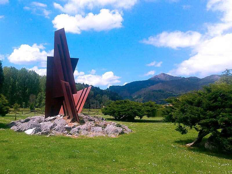Escultura de Rubio Camín en el Parque de la concordia