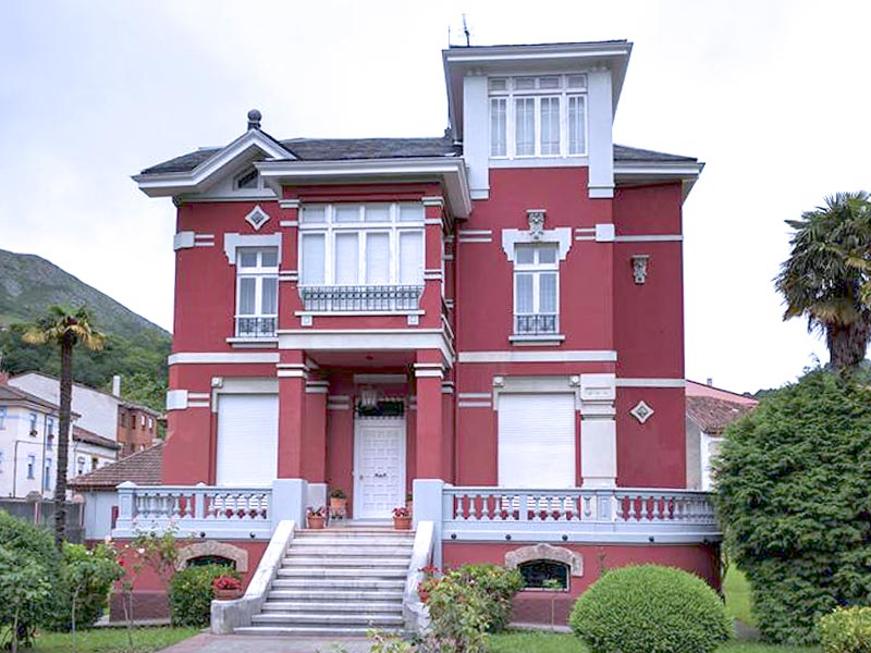 Villa Juanita. Casa indiana en Arriondas